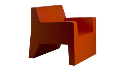 Jut Lacquered Lounge Chair