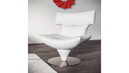 Mora Lounge Chair